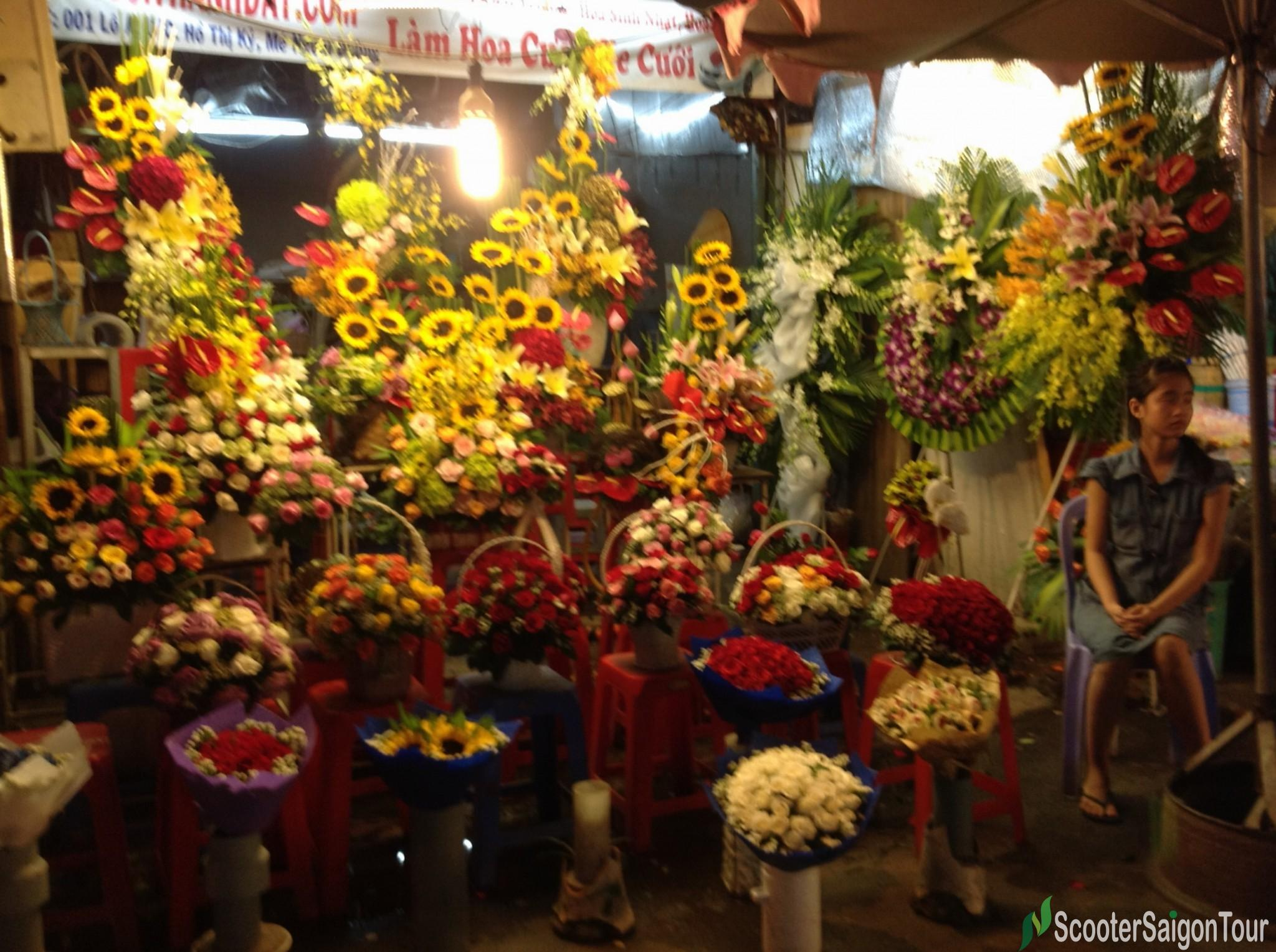 flower market ho thi ky at night tracy do (3)