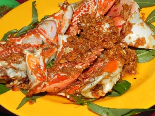 36. Dry stir-fried ocean crab soup with salt and chili (Càng ghẹ rang muối ớt)