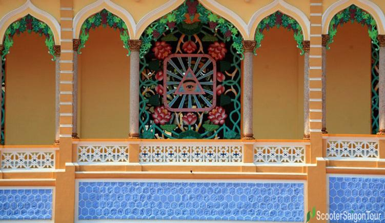 The window decorated lotus pictures bearing frame with God Eye symbol