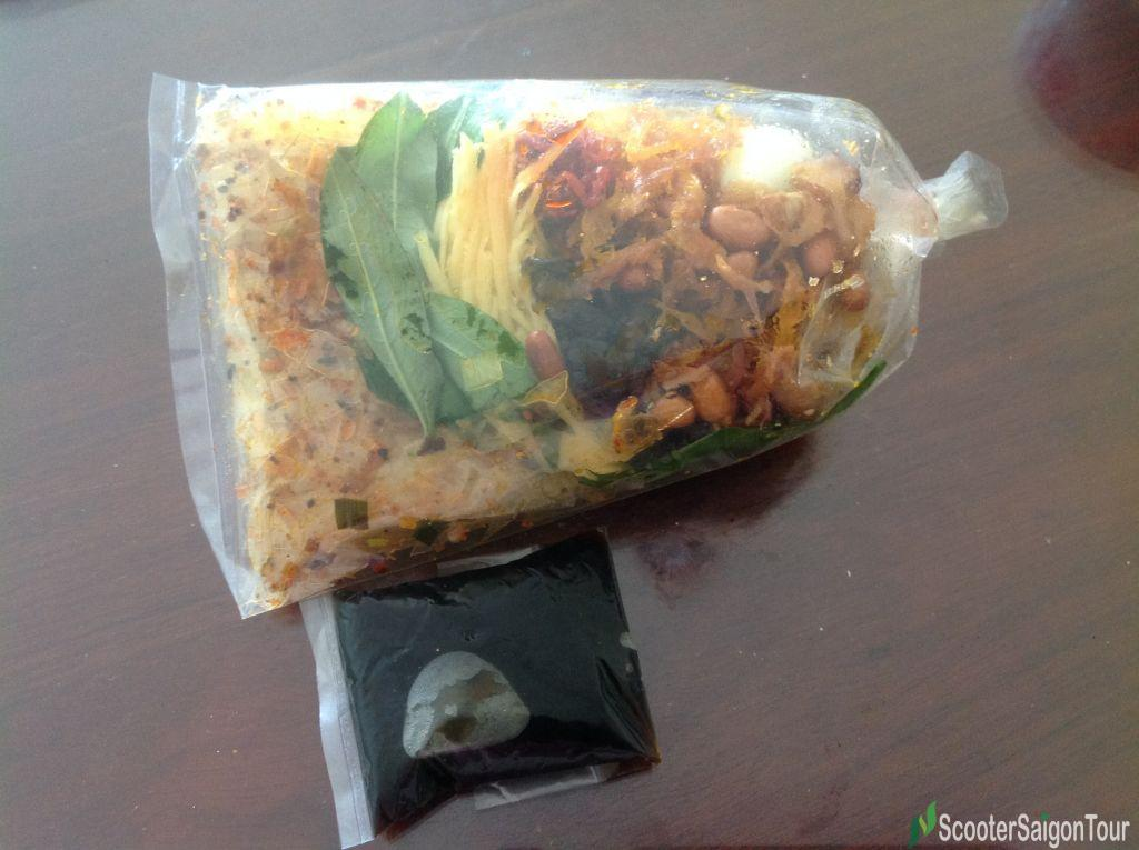 Mixed Rice Paper Salad With Special Sauce 4