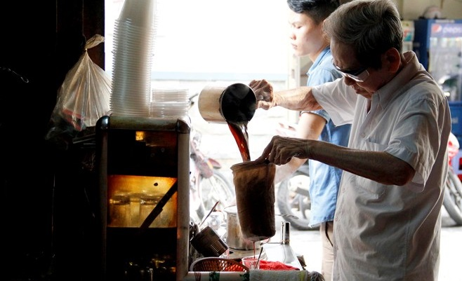 vot coffee at Hell Coffee Shop in Saigon