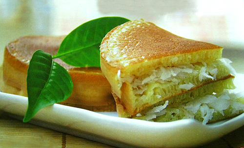 cow-cake-with-coconut-traditional-vietnamese-foods