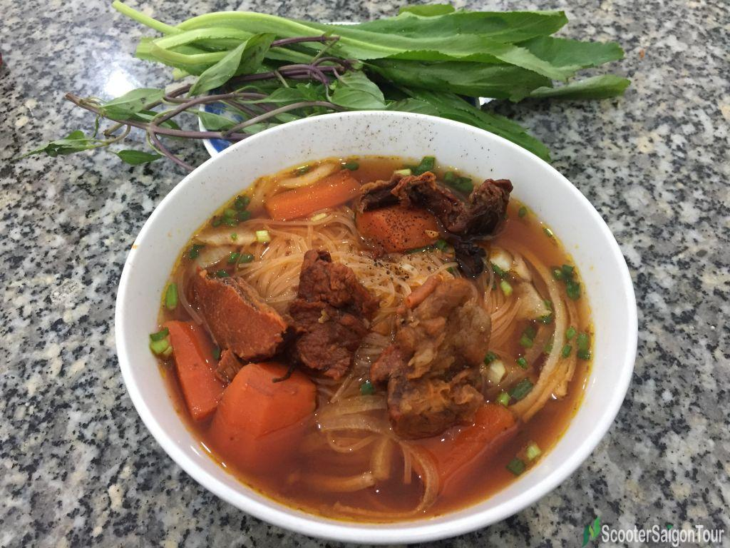 Clear Rice Noodle Soup With Vietnamese Stewed Beef Or Hu Tieu Bo Kho 2