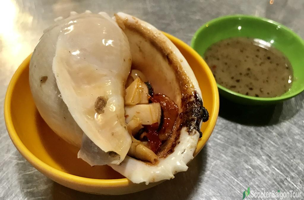 Grilled Garlic Snail With Spicy Fish Sauce Dip 1