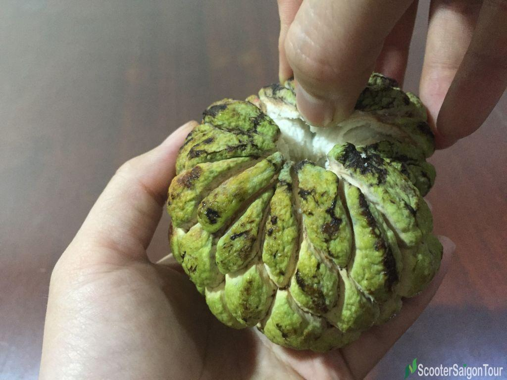 How To Eat Custard Apple Top Fruits In Vietnam 3