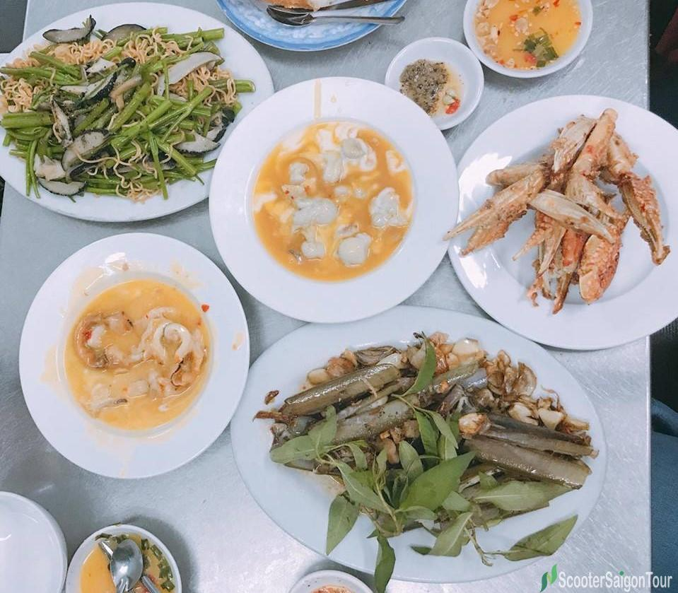 Snail And Seafood Dishes In Saigon 1