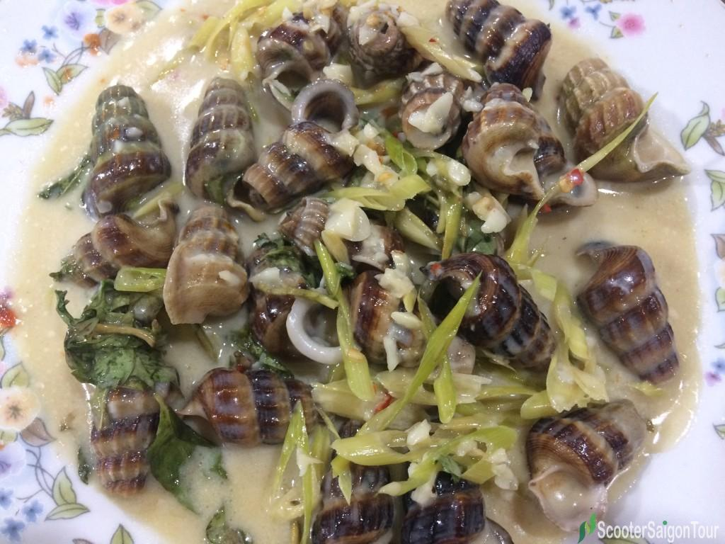 Vietnamese stir-fried creeper snail with coconut milk