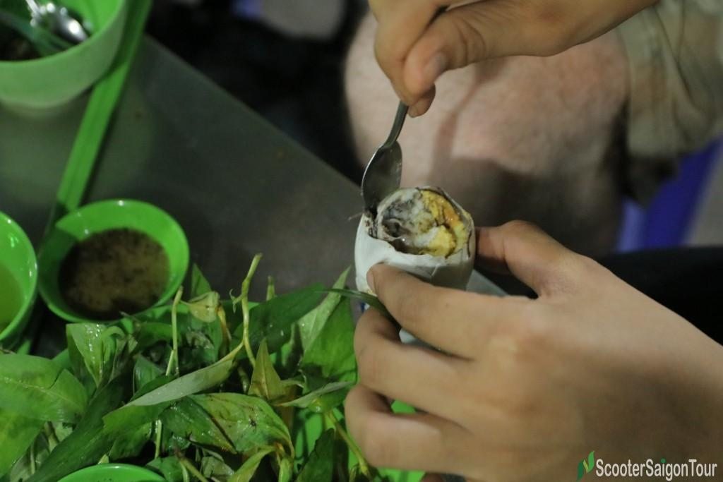How To Eat Boiled Fermented Duck Egg In Vietnam 8