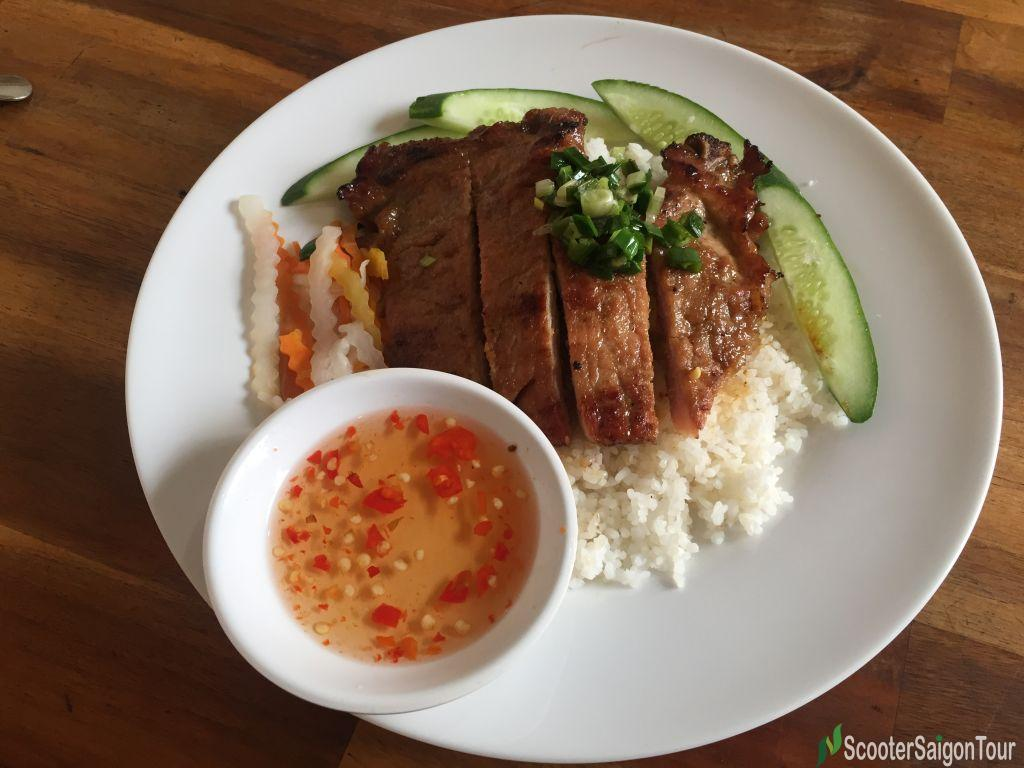 Broken Rice With Grilled Pork Chop (1)