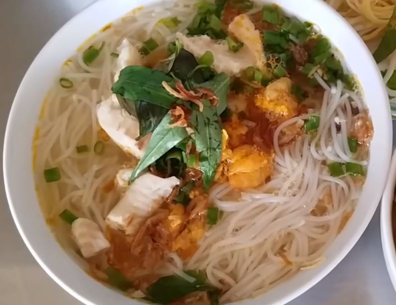 Rach Gia Rice Noodle Soup With Fish Scooter Saigon Tour